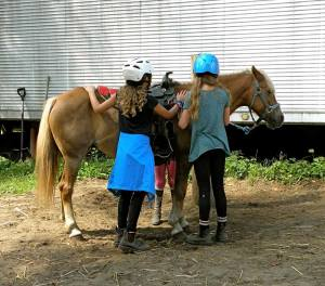 """The """"Camp Kids,"""" learning real horse stuff!"""