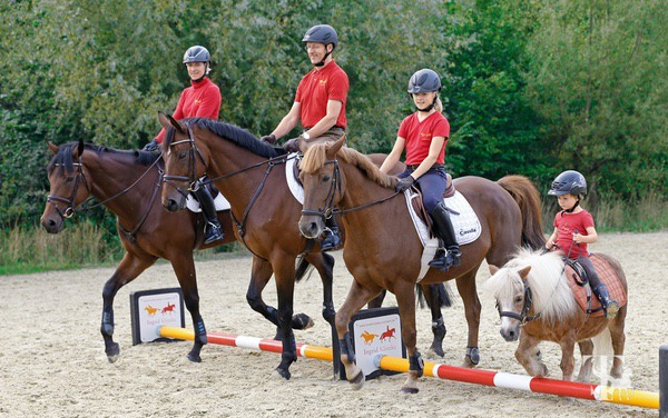 0002-horseandriderbooks